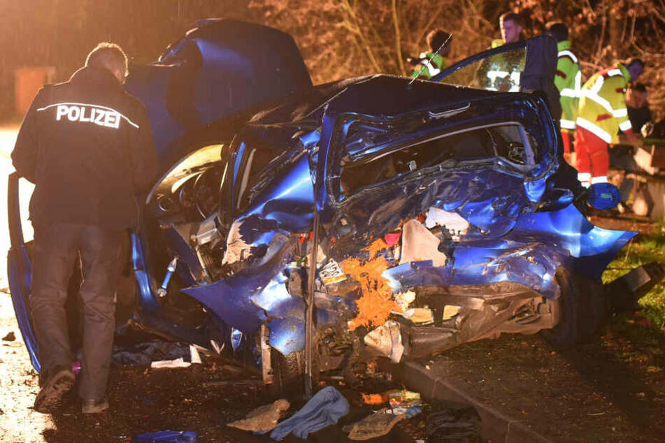 Drama auf Autobahn-Rastplatz: Mutter totgerast, Sohn (10) schwer verletzt
