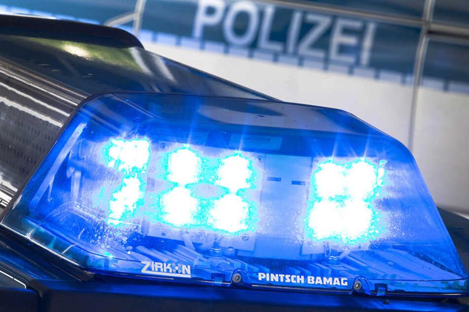 """Am Dienstag hat die Polizei die Wohnung eines Afghanen in Leipzig durchsucht. Er soll in seinem Heimatland für die Terror-Organisation """"Taliban"""" gekämpft haben."""