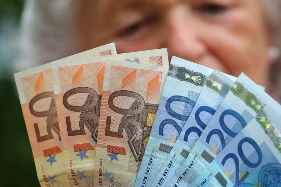 Zoff um Negativ-Zinsen beim Riestern: Gericht entscheidet heute!