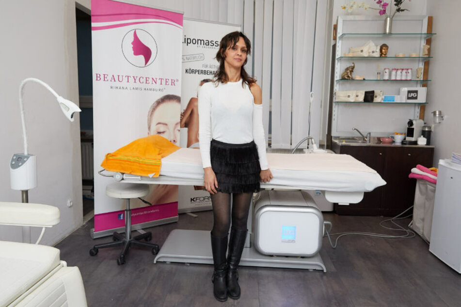 """Samia El Aidi ist die Inhaberin des Schönheitssalons """"Rihana Lami"""" am Großen Burstah in Hamburg."""