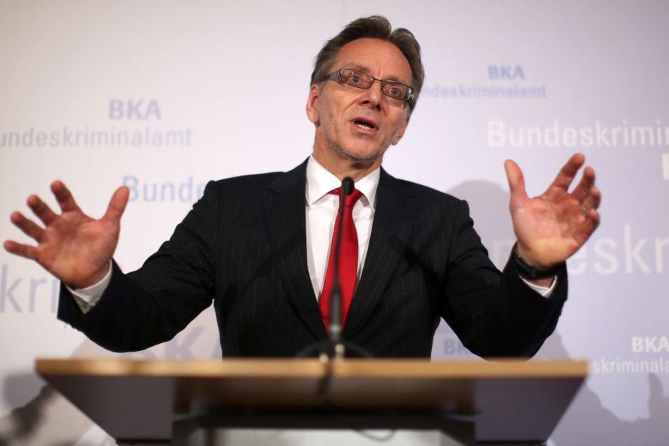 Der Präsident des Bundeskriminalamtes, Holger Münch bestätigt: Die Polizei war dem Bombenleger schon früh auf der Spur.