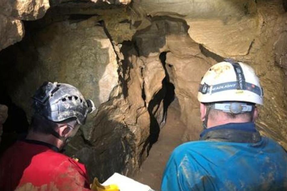 """Forscher erkunden weiterhin die unbekannten Gänge in der riesigen """"Windloch""""-Höhle."""