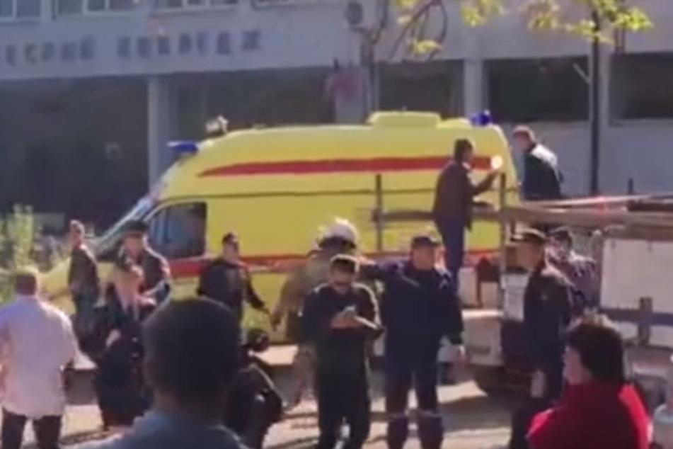 Krim: Mindestens 10 Tote bei Explosion in Schule - War es ein Terroranschlag?