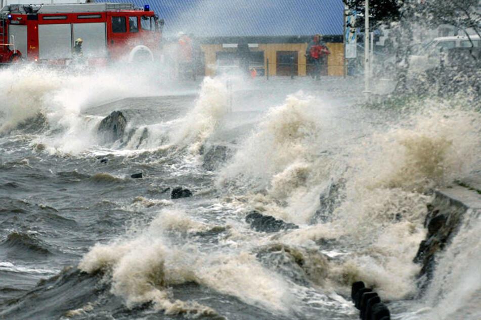 An der Ostseeküste wird in der Nacht zum Donnerstag eine Sturmflut erwartet. (Symbolbild)