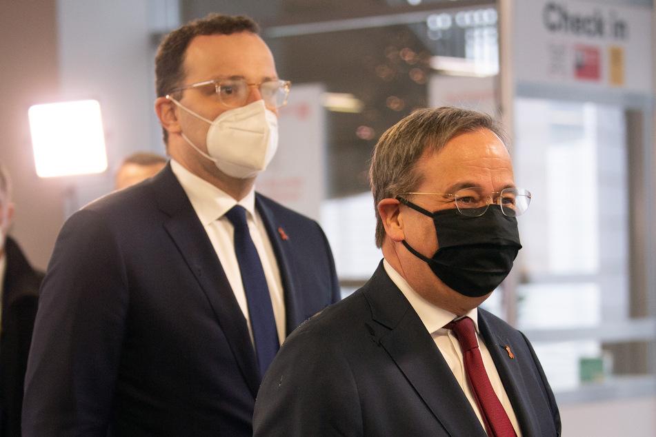 Bundesgesundheitsminister Jens Spahn (CDU, l.) und NRW-Ministerpräsident Armin Laschet (CDU) trafen sich am Dienstag in Düsseldorf.