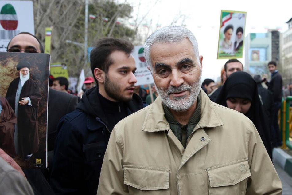 Soleimaniist nach Angaben der Medienstelle der vom Iran unterstützten irakischen Volksmobilisierungskräfte bei einem Raketenangriff nahe des Flughafens von Bagdad getötet worden.