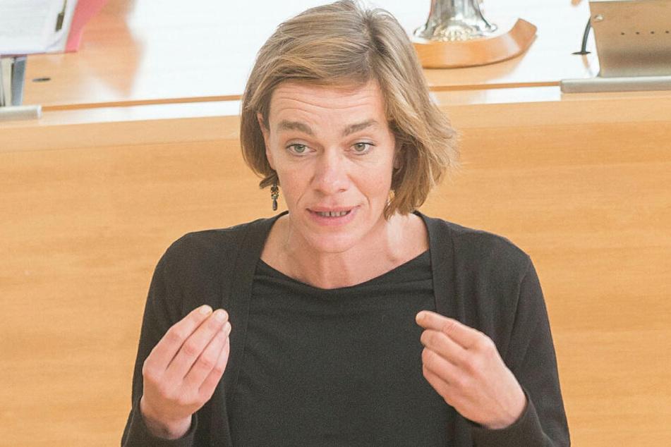 Juliane Nagel (40) forderte in einer gemeinsamen Mitteilung mit Marco Böhme die Offenlegung der Parlamentarier-Einkünfte und die Einzahlung in gesetzliche Kassen.