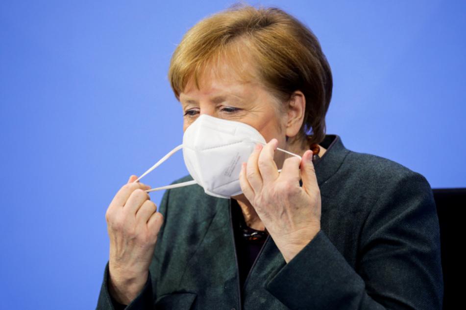 Kanzlerin Angela Merkel (66, CDU) verlangt noch einmal mehr von den Bürgern.