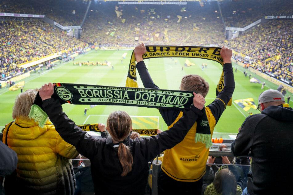 Einen ausverkauften Signal Iduna Park wird es in absehbarer Zukunft nicht geben. Aber zumindest einige Tausend Fans könnten bald wieder ins Dortmunder Stadion zurückkehren.