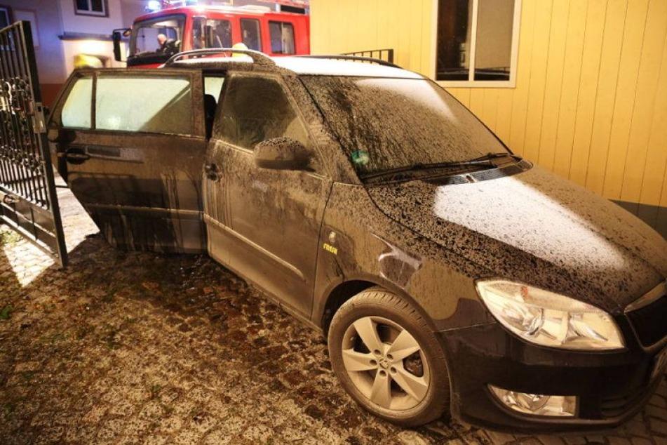 Brandstiftung: Auto angezündet und ausgebrannt