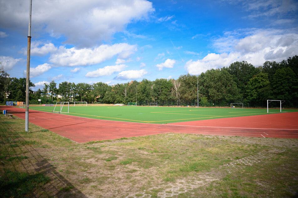 Der leere Sportplatz eines Vereins in Potsdam.