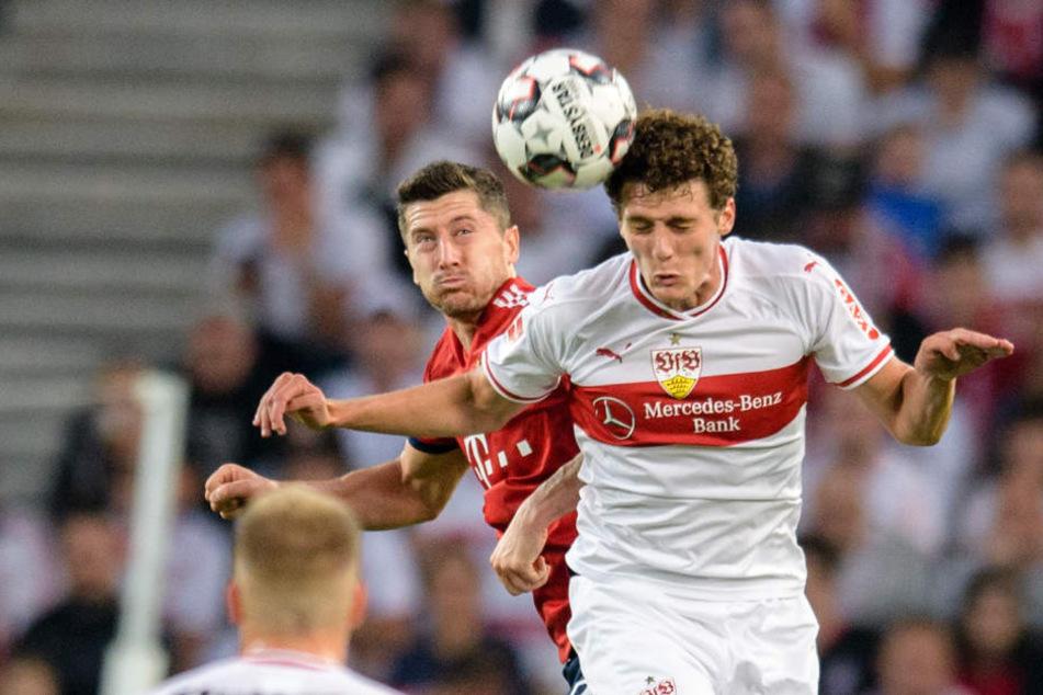 WM-Star Pavard (r.) dementiert einen Vorvertrag mit dem FC Bayern zu haben.