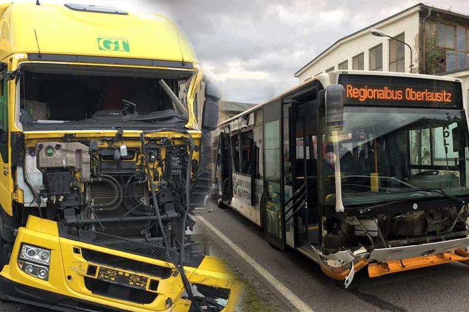 LKW reißt vollbesetzten Linienbus auf: Noch mehr Verletzte als angenommen