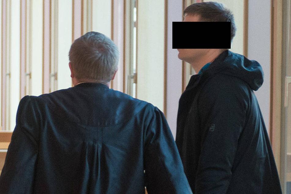 Oberleutnant vor Gericht: Er misshandelte seine kranke Frau