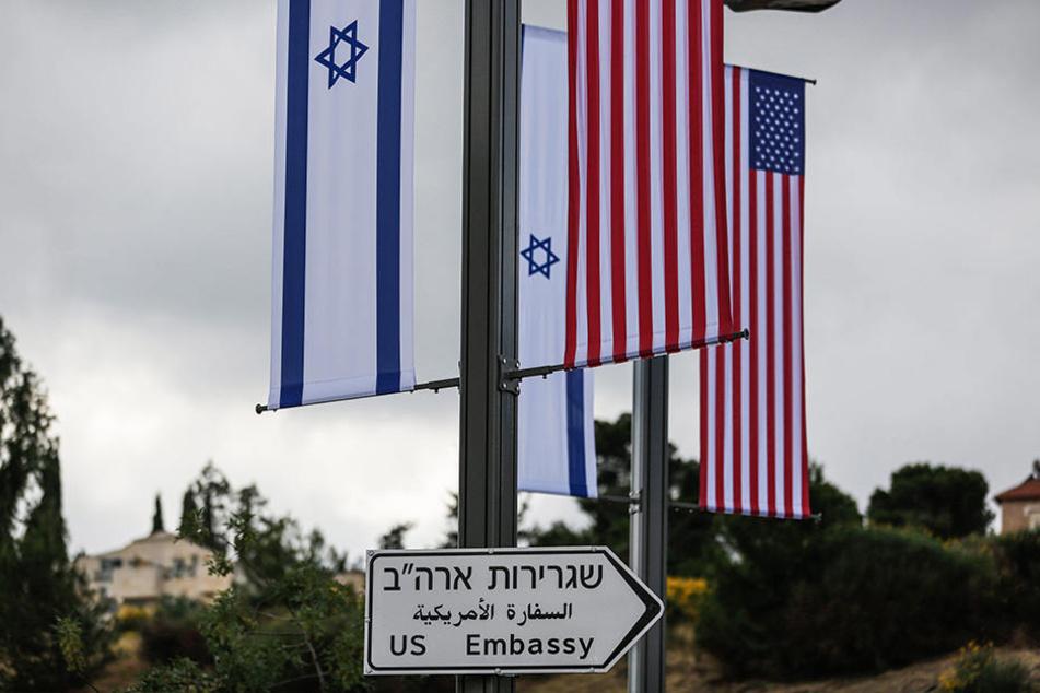 Die US-Botschaft wird ab 14.05.2018 vorübergehend im Gebäude des US-Konsulats in Jerusalem untergebracht.