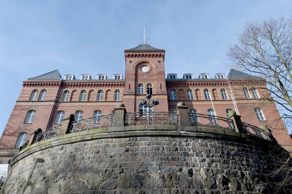 Blick auf das Gebäude des Land- und Amtsgerichts in Flensburg.