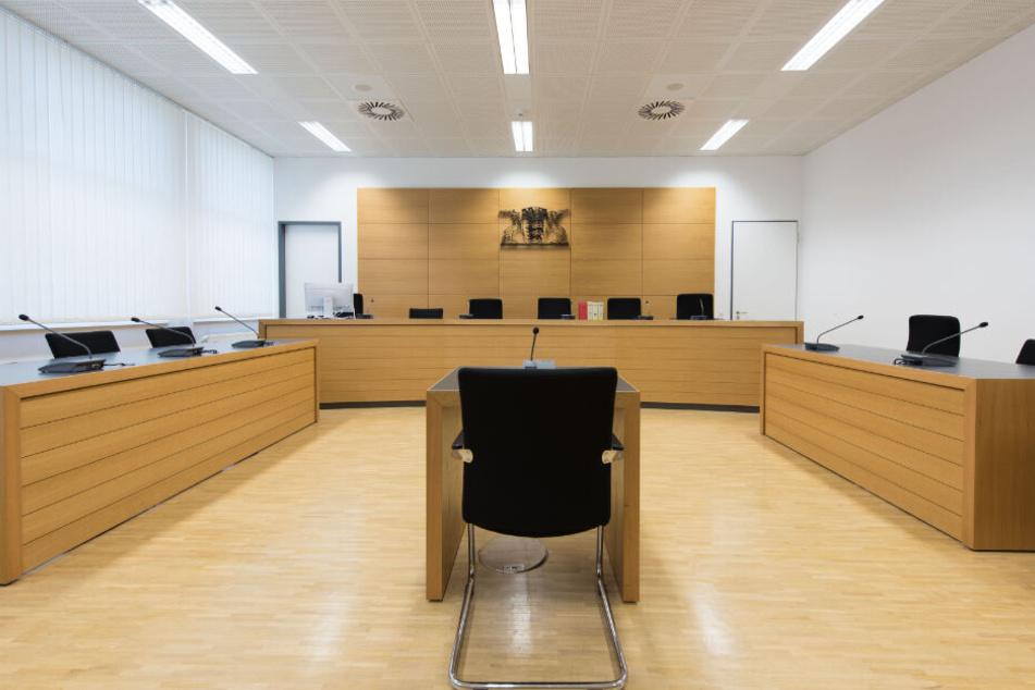 Bankangestellte in Tresorraum eingesperrt: Urteil gegen Bankräuber erwartet