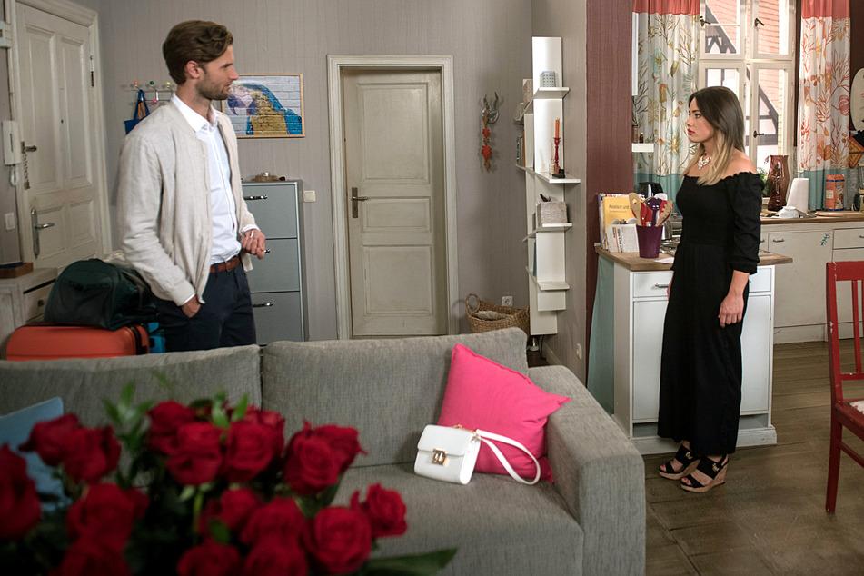 Rote Rosen: Simon und Vivien nehmen Abschied.