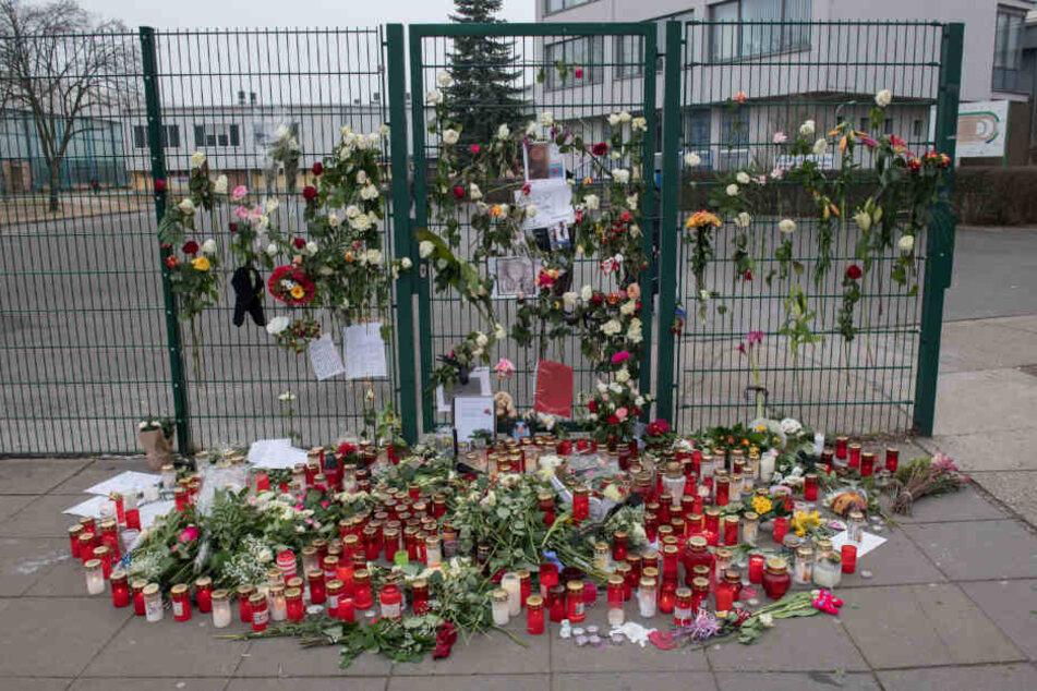 Schülerin (14) mit Messerstichen getötet: Deutschland nimmt Abschied von Keira