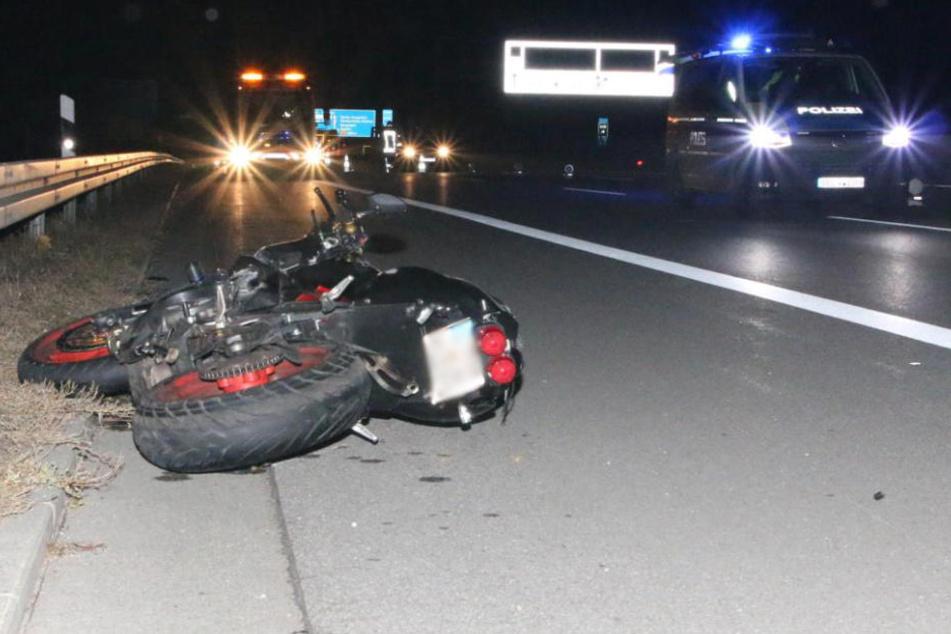 Biker (43) kracht in Lastwagen und stirbt noch auf der Autobahn