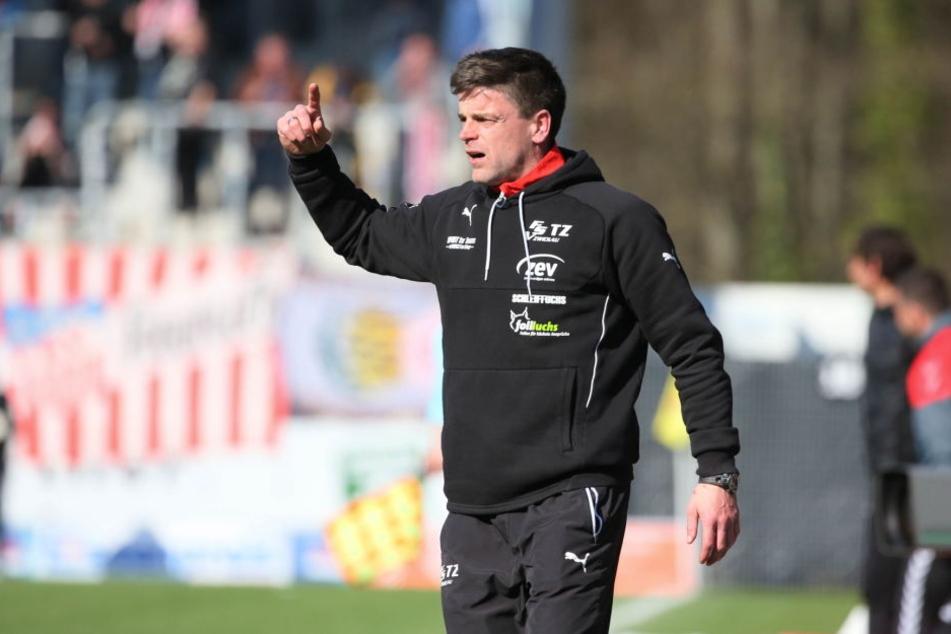 FSV-Trainer Torsten Ziegner ist es bewusst, dass Zwickau von Beginn an gegen den Abstieg kämpfen wird.