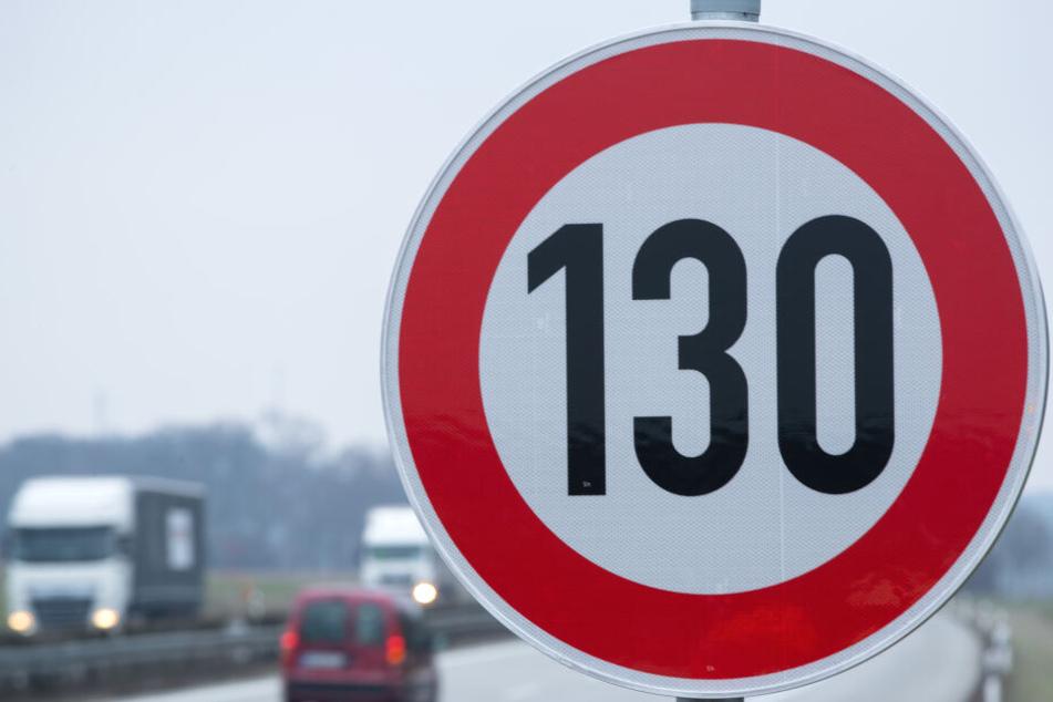 Mehr als 130 Km/h soll man nach dem Willen der Kirche auf deutschen Autobahnen nicht mehr fahren dürfen.