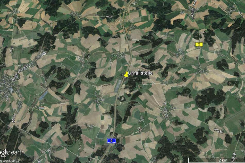 Der Screenshot von Google Earth zeigt die Region Münchberg in Bayern mit der Unfallstelle.