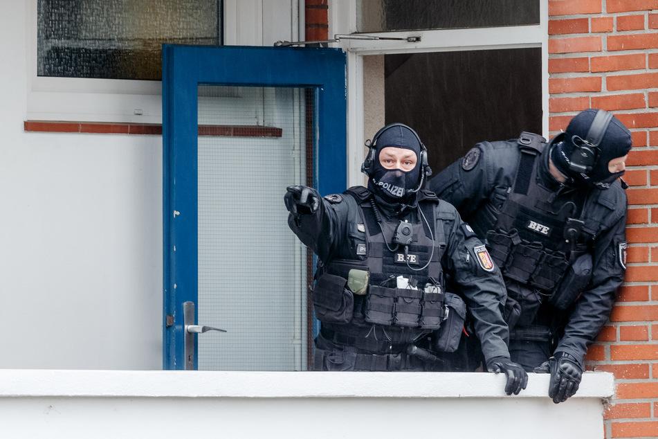 Peinliche Panne bei Razzia: Das haben die Beamten vergessen