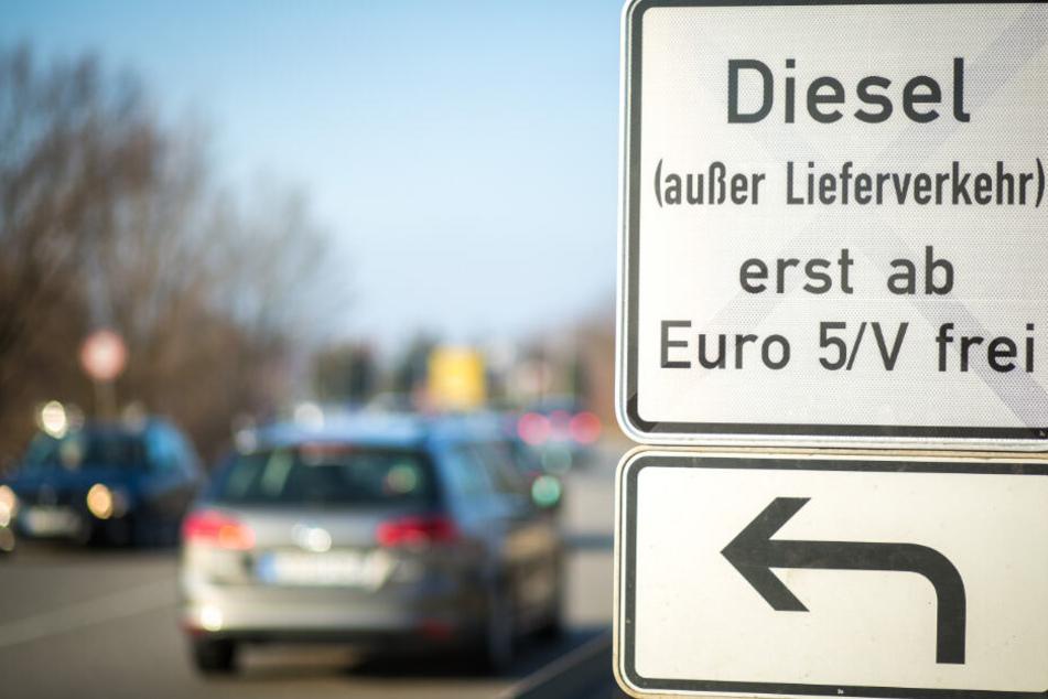 Seit dem 1. Januar 2019 dürfen Diesel mit der Abgasnorm Euro 4 und schlechter nicht mehr in die Stadt fahren.