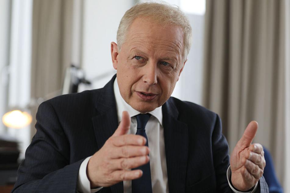 WDR-Intendant Tom Buhrow (61) entschuldigte sich für den Satire-Beitrag seines Senders.
