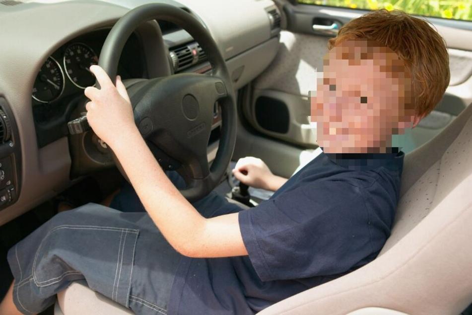 An einer Raststätte krachte der Achtjährige mit dem Auto in einen Lkw-Anhänger. (Symbolbild)