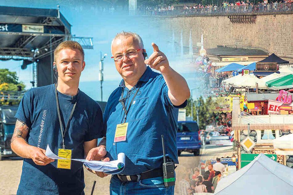 """Gut gerüstet"""" - Stadtfest-Macher Frank Schröder (47,  re.) freut sich auf das Fest der Feste."""