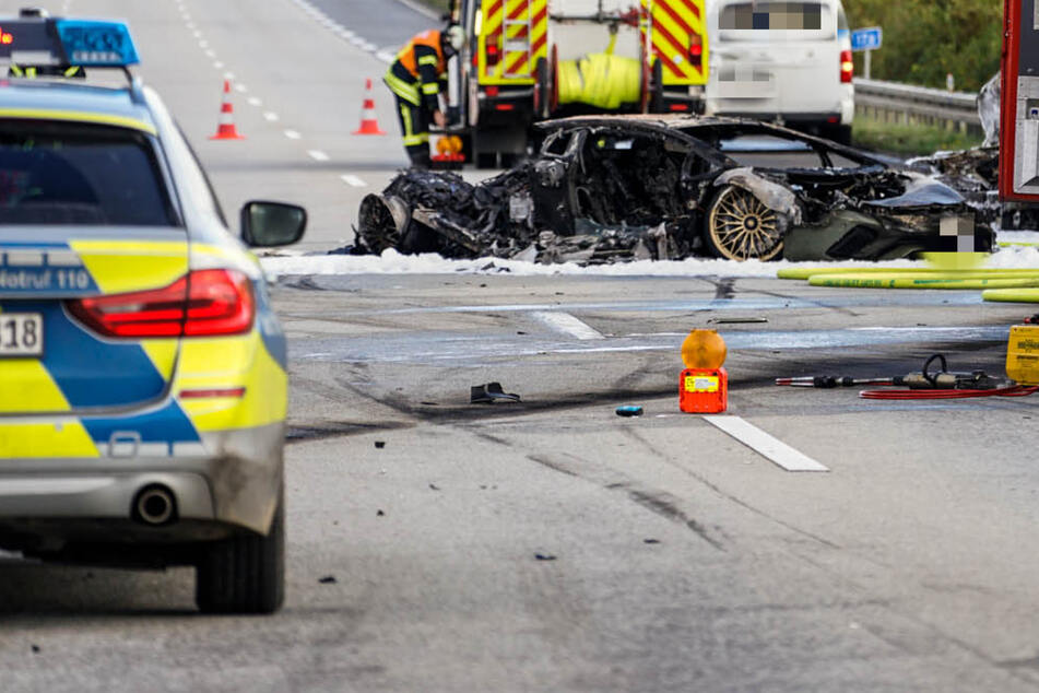 Der Lamborghini von Navid F. soll bei rund 200 Km/h in die Leitplanke und dann in ein unbeteiligtes Auto gekracht sein. Beide Wagen brannten komplett aus.