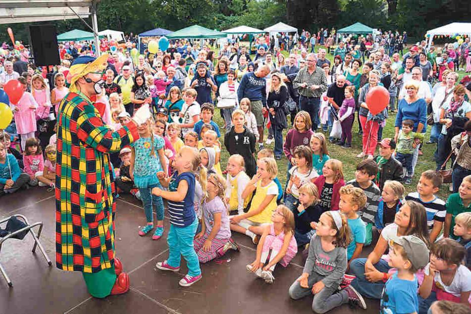 Glücksrad, gute Laune und die Kleinen auf der Bühne - Zwickau feiert auch  dieses Jahr seine Kinder.