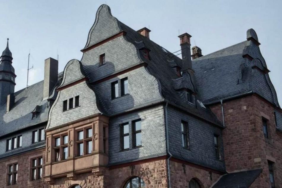 Das Foto zeigt das Landratsamt des Odenwaldkreises in Erbach.