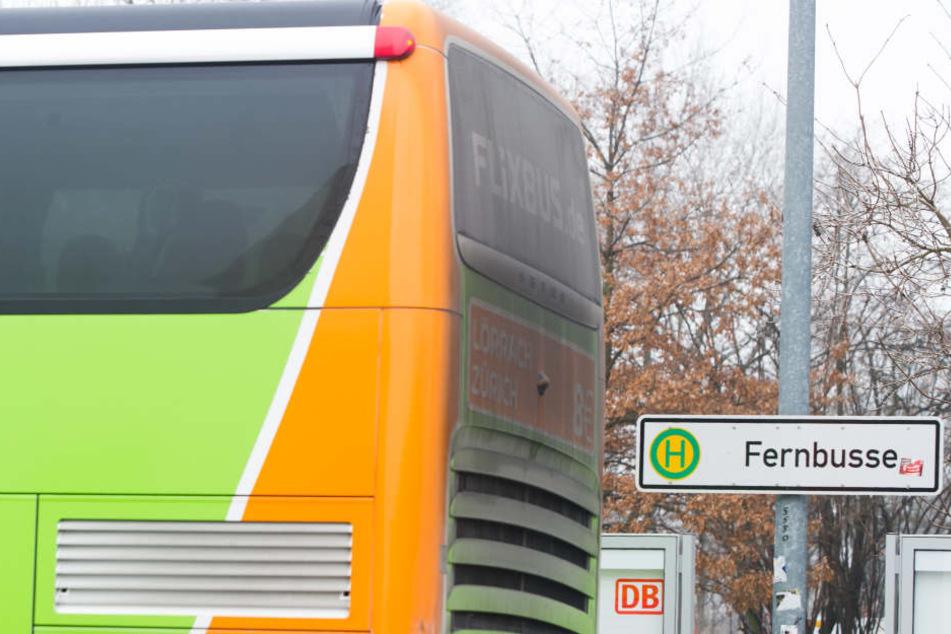 Deutschlands Fernbus-Bahnhöfe haben aus Sicht des ADAC eine lange Mängelliste (Symbolbild).