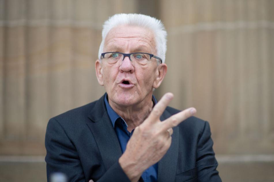 Winfried Kretschmann (71) ist der Ministerpräsident von Baden-Württemberg.