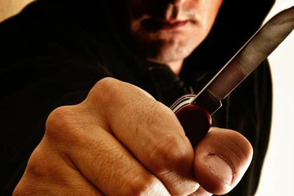 In Hellersdorf kam es zu einer Messerstecherei. (Symboldbild)