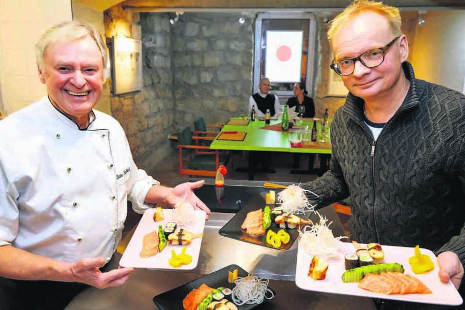 Rainer Raßbach (69, l.) und Uwe Steimle (55) laden zum japanischen Gastmahl in den Ex-Kohlenkeller ein.