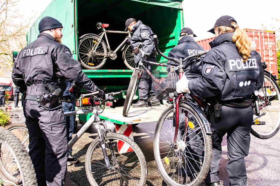 Die Polizei stellt immer mehr geklaute Fahrräder sicher.
