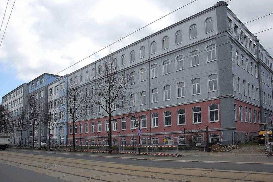 Erst in der zweiten Jahreshälfte 2017 soll auf dem Areal des Technischen  Rathauses in Dresden der Ausreisegewahrsam in Betrieb gehen.