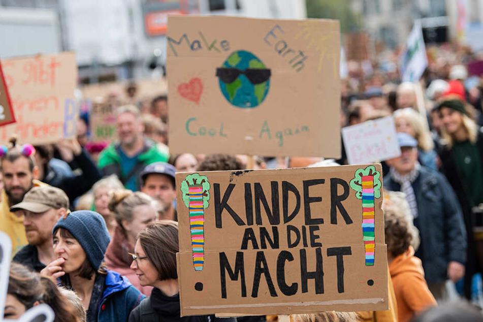 Am 22. November übernehmen Kinder im Rathaus.