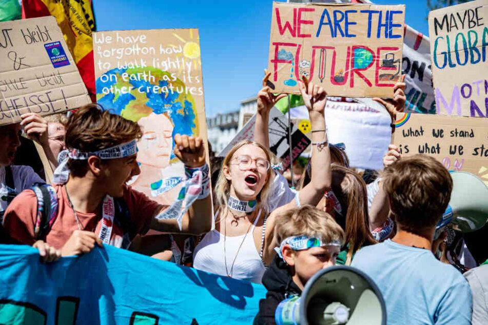 Demonstranten bei der Klimademo in Aachen.