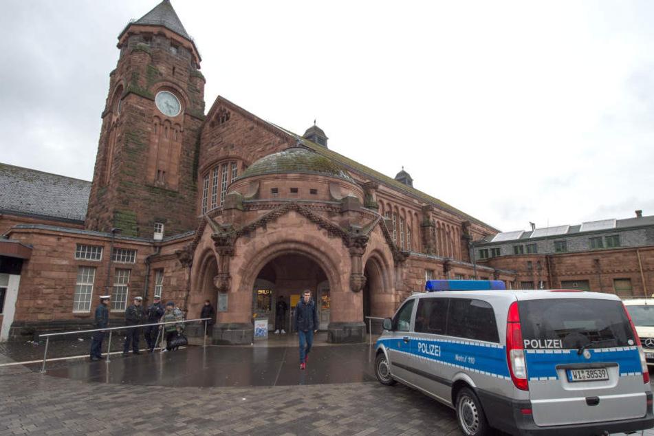 Der Gießener Hauptbahnhof musste teilweise gesperrt werden. (Symbolfoto)