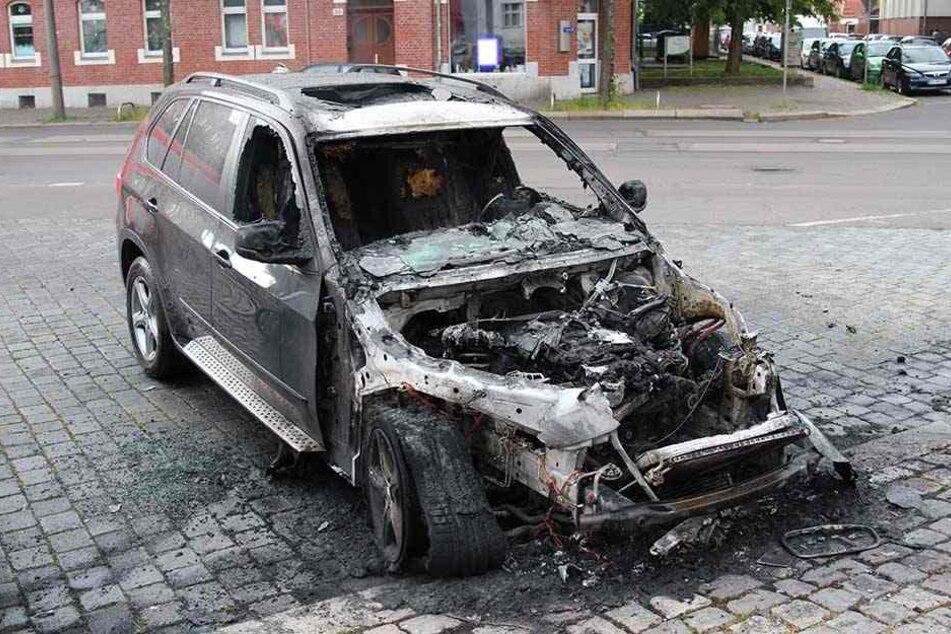 Drei in einer Nacht! Brandstifter zünden Leipziger Luxus-Schlitten an