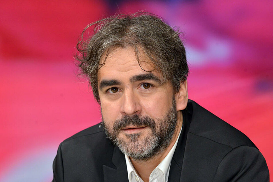 Der deutsch-türkische Journalist Deniz Yücel (44) sitzt in U-Haft.