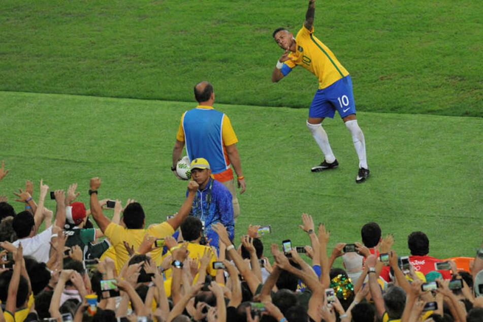 Gefeierter Siegschütze: Neymar.