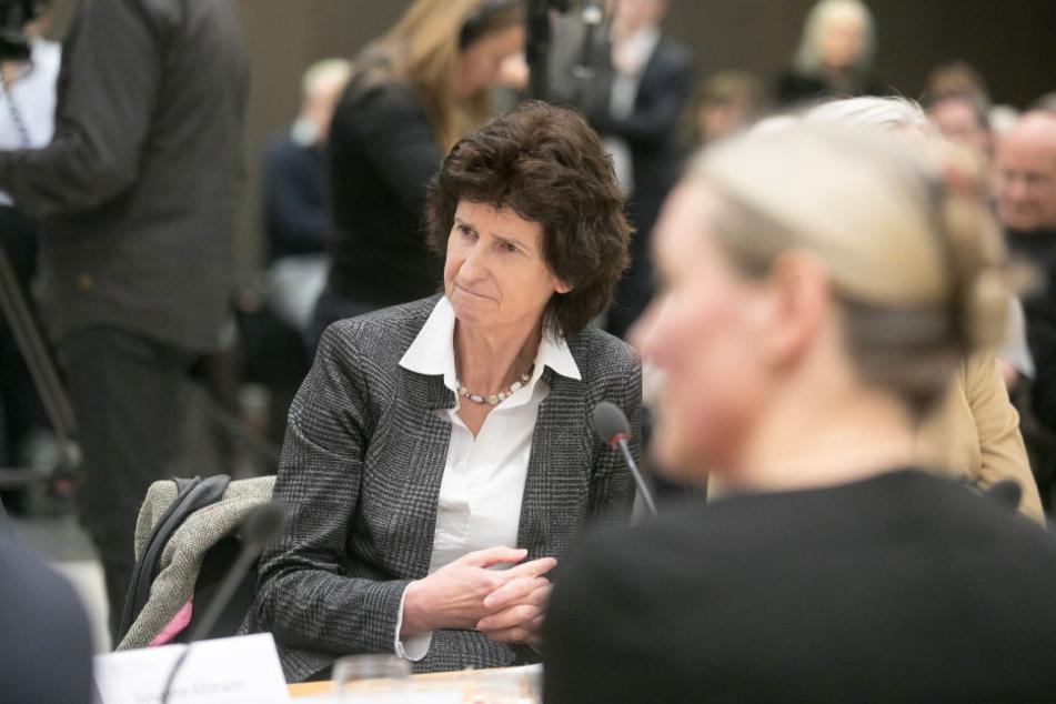 Für ein weiteres Dresdner Museum für moderne Kunst sieht Kulturministerin Eva-Maria Stange (60, SPD) vorerst keine Mittel.