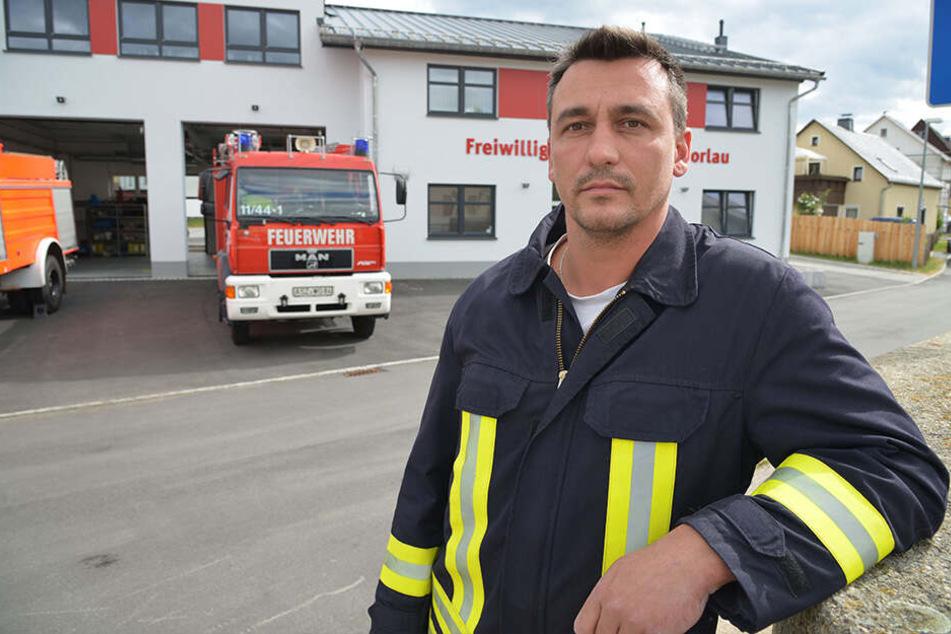 Wehrleiter Mario Voigt ist sauer wegen zweier Angriffe auf die Feuerwehr Zschorlau.