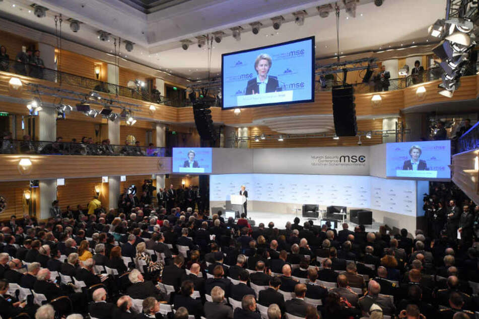 Ursula von der Leyen (CDU), Bundesverteidigungsministerin, spricht beim ersten Tag der 55. Münchner Sicherheitskonferenz.